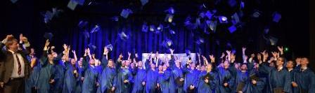 Akademische Feier des WS2013 – 84 Absolventen des 11. Jahrgangs erhielten im feierlichen Rahmen ihre Bachelor-Urkunden und Zeugnisse